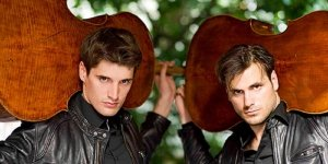 2Cellos z instrumentami