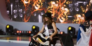Miss Wheelchair World 2017 - stroje regionalne