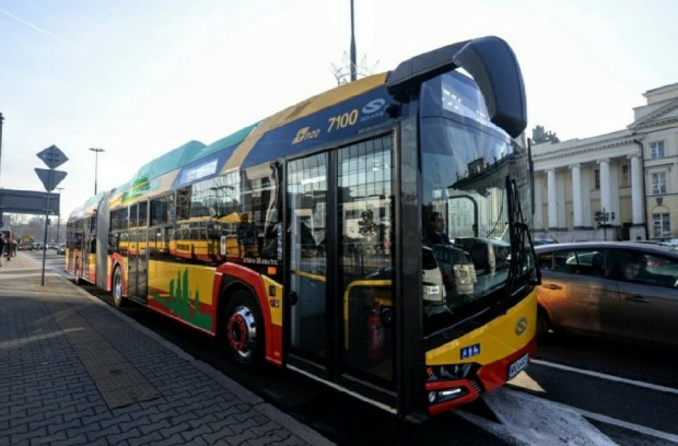 Solaris New Urbino 18 Electric nr taborowy 7100