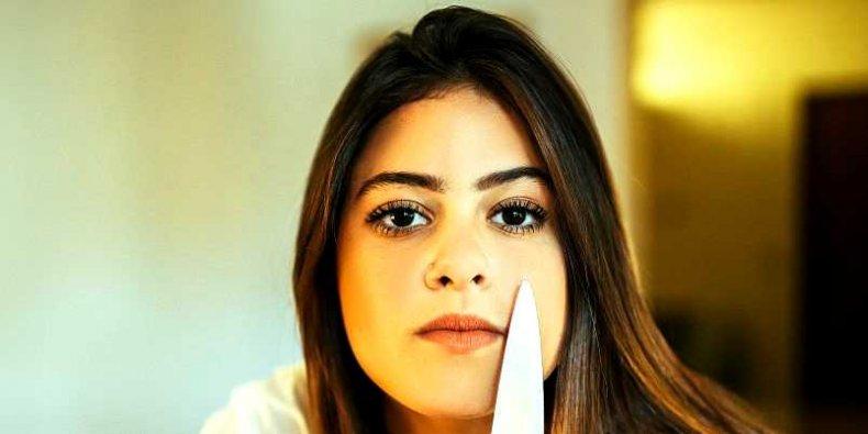 Dziewczyna z nożem
