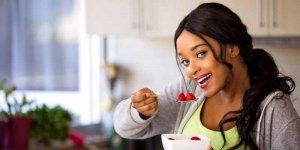 Dziewczyna z truskawkami
