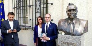 Warszawiacy - od prawej: poseł Michał Szczerba , wiceprezydent Warszawy Renata Kaznowska, radny Warszawy Mariusz Budziszewski.