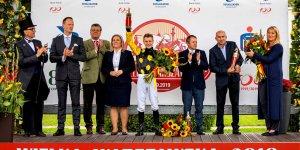 Wielka Warszawska - wręczenie trofeów
