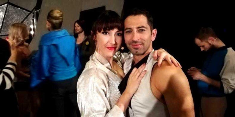 """Małgorzata Regent i Santiago Bello - po ostatnim spektaklu """"Kobiety na skraju załamania nerwowego"""" w Teatrze Rampa."""