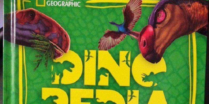 Dinopedia - fragment okładki