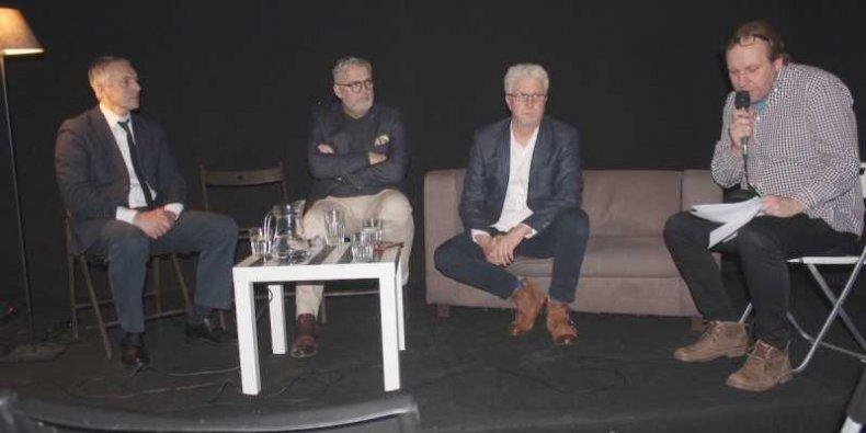 Debata o budżecie Warszaw na rok 2020 w Klubie CH25 - od lewej siedzą Paweł Lech, Tomasz Żyłka, Jacek Wojciechowicz i prowadzący spotkanie Jan Fusiecki