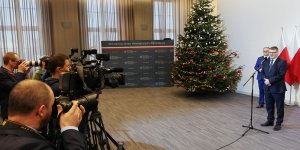 Przekazanie Aktu nadania statusu miasta Czerwińsk nad Wisłą - dziennikarze przy pracy