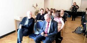 Konkurs Młodych Dziennikarzy (od lewej: Andrzej Maślankiewicz – Sekretarz Generalny Stowarzyszenia Dziennikarzy RP i Marek Kuliński przewodniczący Warszawskiego Oddziału Stowarzyszenia Dziennikarzy RP)
