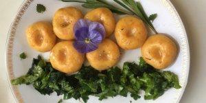 Pomarańczowe kluski z kurdybankiem