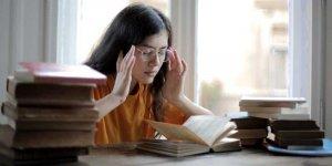 Przed egzaminem maturalnym. Foto Andrea Piacquadio (pexels.com)