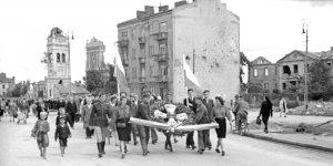 Marsz Pamięci 1 sierpnia 1945 r. foto Ryszard Witkowski