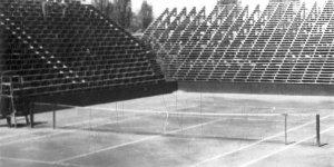 Korty tenisowe Legii w Warszawie - W trakcie remontu po II wojnie światowej (fot: Socjalistyczna Agencja Prasowa)