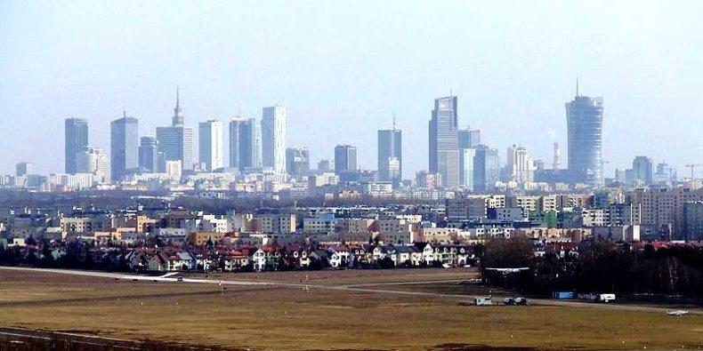 Warszawa widziana z góry śmieciowej Radiowo fot. Pan SG Wikimedia