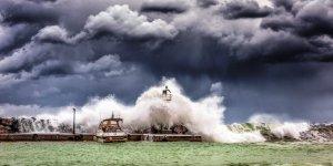 Gwałtowny sztorm. Fot. George Desipris (pexels)
