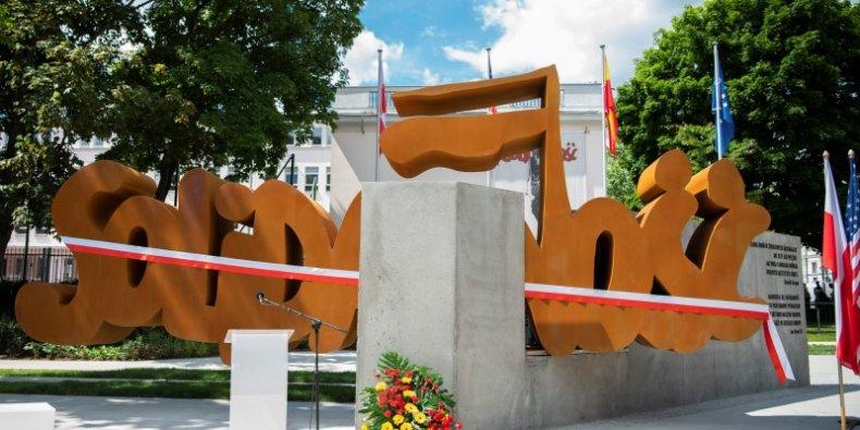 Pomnik Solidarności w Warszawie