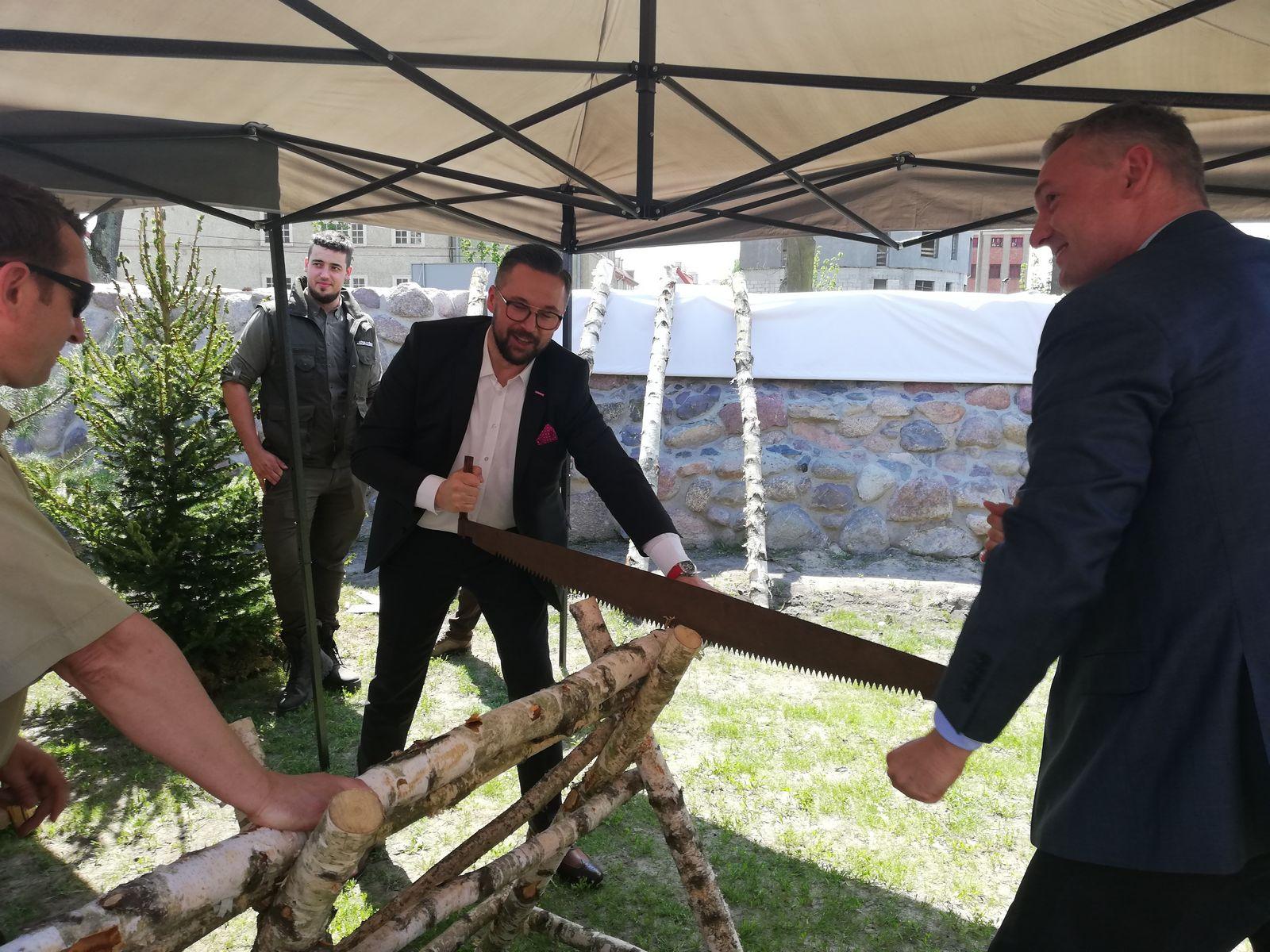 Współpraca poselska - z lewej poseł Marcin Kulasek, z prawej poseł Paweł Papke