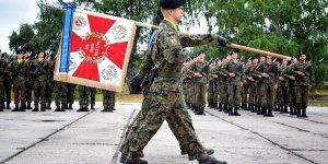 Przysięga wojskowa w 1. Warszawskiej Brygadzie Pancernej - Poczet Sztandarowy