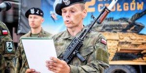 Przysięga wojskowa w 1. Warszawskiej Brygadzie Pancernej