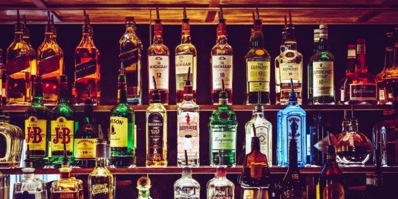 Alkohole w barze