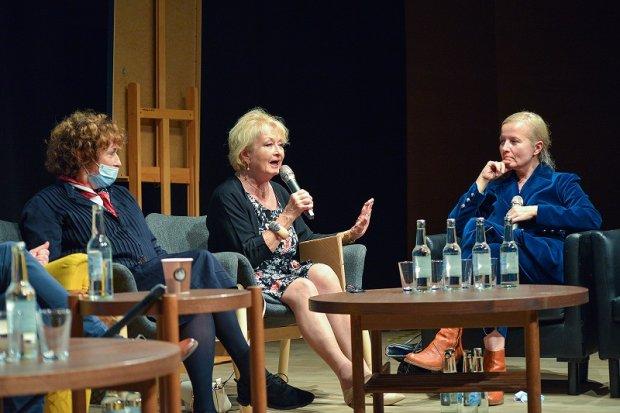 Od lewej: Zofia Turowska, Magdalena Zawadzka i Hanna Grudzińska